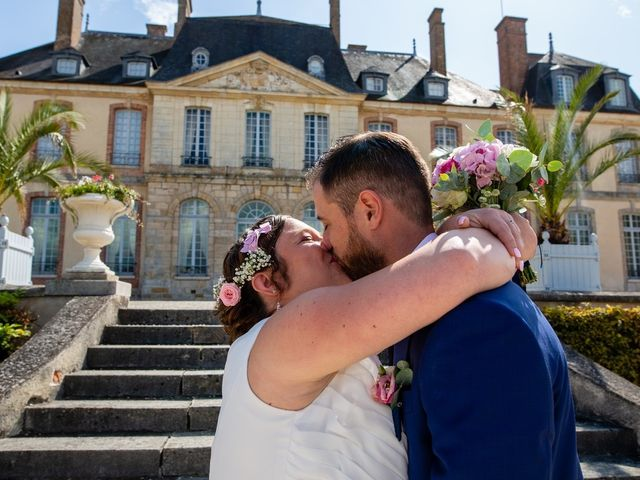 Le mariage de Mikaël et Laura à Saint-Loup-de-Buffigny, Aube 24