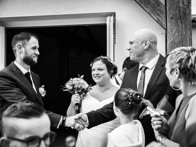 Le mariage de Mikaël et Laura à Saint-Loup-de-Buffigny, Aube 35