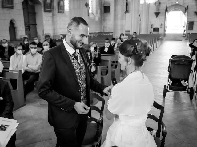 Le mariage de Adrien et Roxanne à Saint-Jean-de-Liversay, Charente Maritime 11