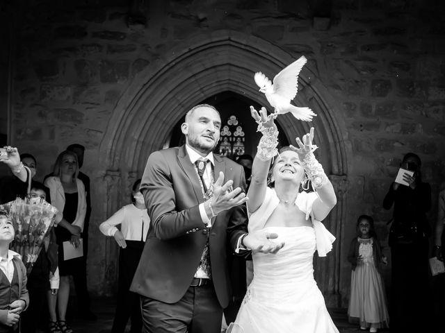 Le mariage de Adrien et Roxanne à Saint-Jean-de-Liversay, Charente Maritime 15