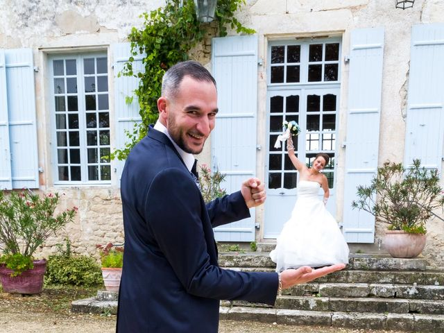 Le mariage de Adrien et Roxanne à Saint-Jean-de-Liversay, Charente Maritime 33