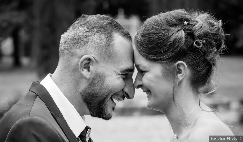 Le mariage de Adrien et Roxanne à Saint-Jean-de-Liversay, Charente Maritime