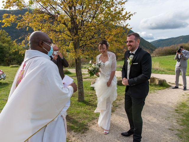 Le mariage de Guillaume et Bénédicte à Le Poët-Célard, Drôme 20