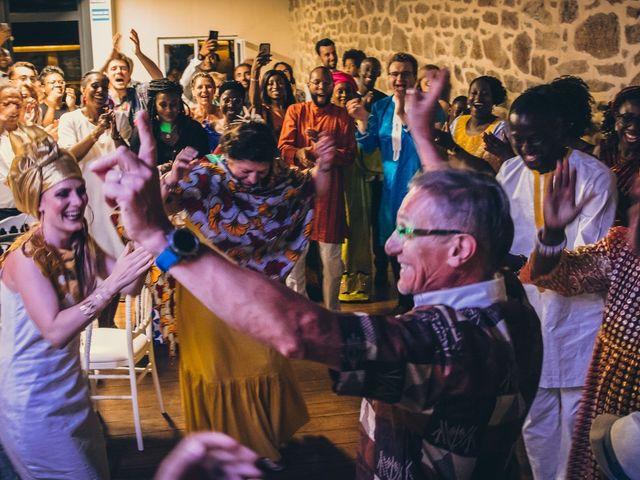 Le mariage de Bafodé et Margaux à Lesconil, Finistère 31