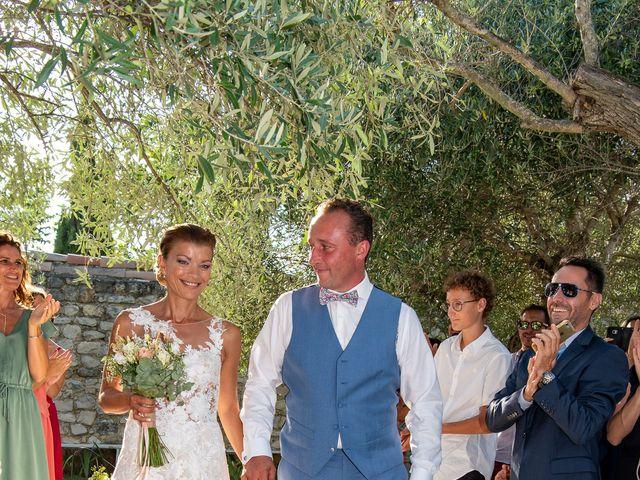 Le mariage de Lionel et Sandie à La Garde-Adhémar, Drôme 16
