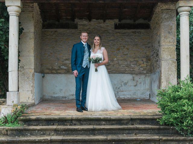 Le mariage de Emmanuel et Justine à Pommiers, Rhône 23