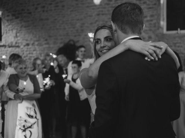 Le mariage de Emmanuel et Justine à Pommiers, Rhône 34