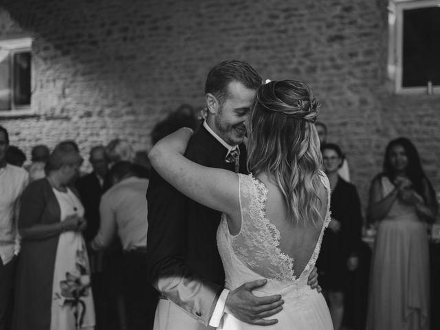Le mariage de Emmanuel et Justine à Pommiers, Rhône 35