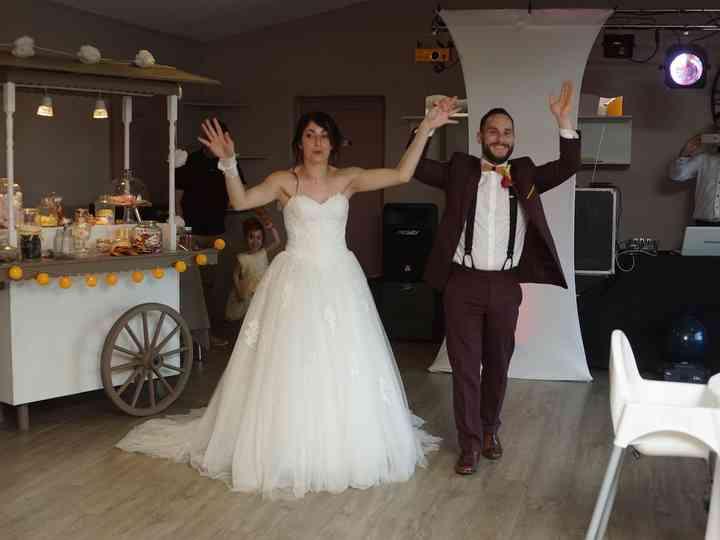 Mariage Florian   Jessica de Julien de Caurel Tailleur a510b310ba9