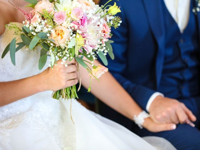 Le mariage de Marc et Gwendoline à Collonges, Ain 18