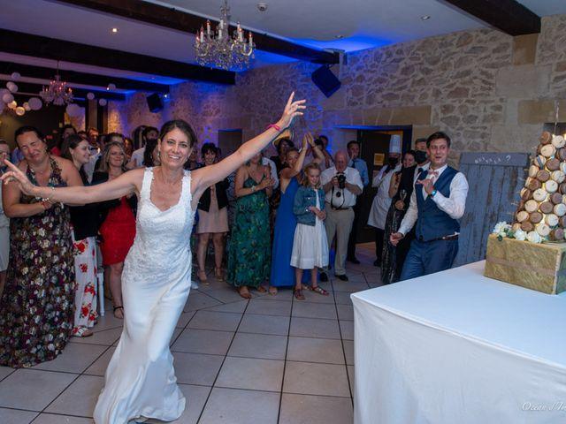 Le mariage de Julien et Nathalie à Bordeaux, Gironde 32