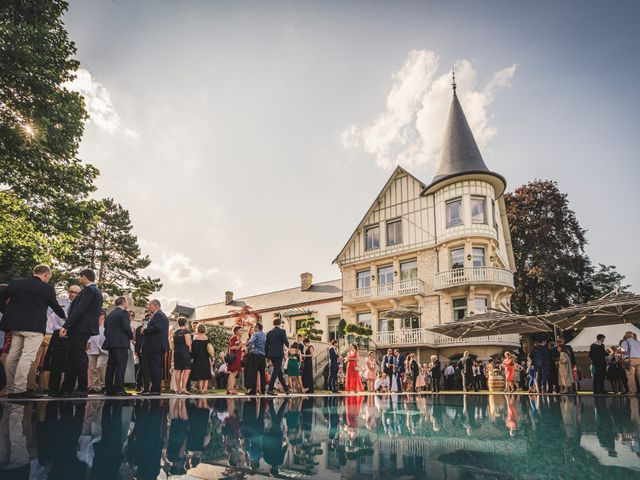 Le mariage de Ludovic et Anne à Ville-Dommange, Marne 44