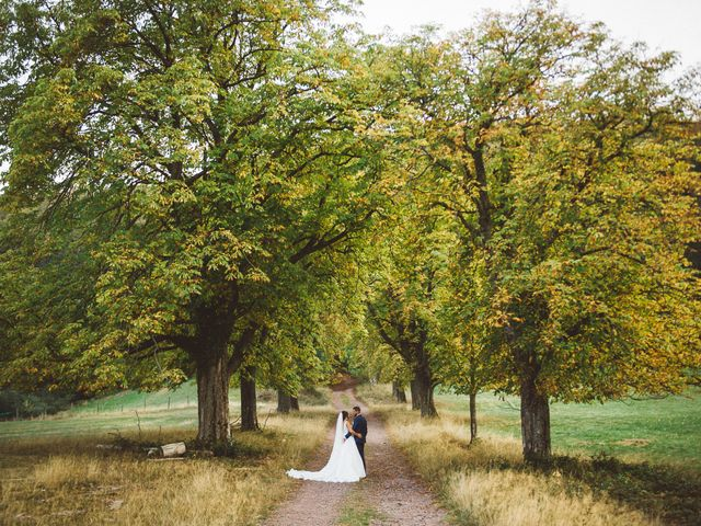 Le mariage de Josian et Cansu à Oberhaslach, Bas Rhin 9
