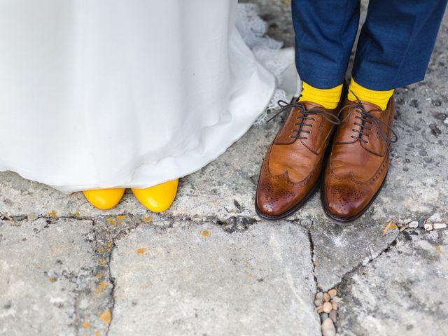 Le mariage de Vivien et Agathe à Camiac-et-Saint-Denis, Gironde 2