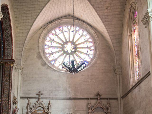 Le mariage de Clément et Anaïs à Fougeré, Vendée 30