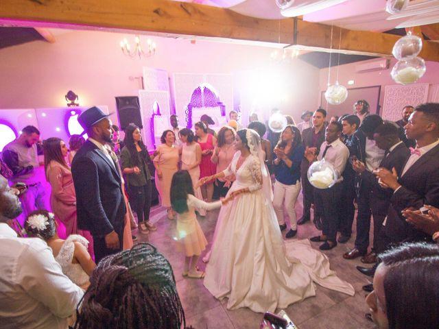 Le mariage de Sidi et Mounia à Montfavet, Vaucluse 37
