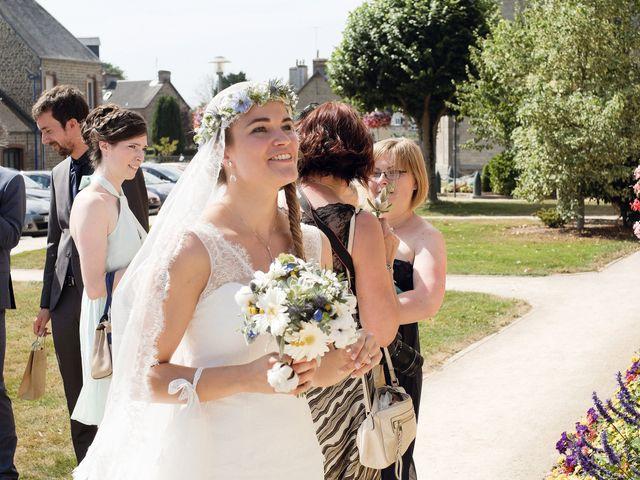 Le mariage de Maxime et Léa à Athis de l'Orne, Orne 10