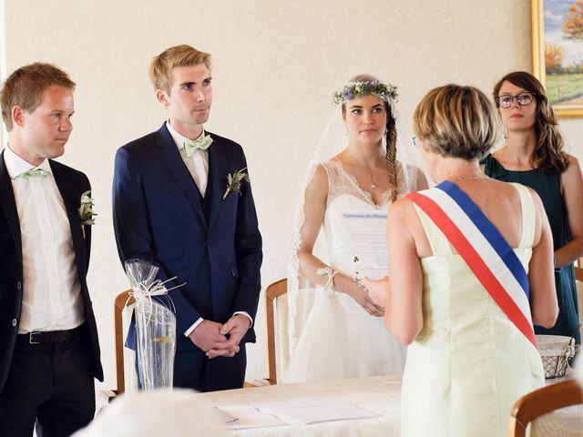 Le mariage de Maxime et Léa à Athis de l'Orne, Orne 11