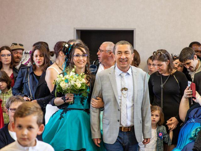 Le mariage de Cyril et Emilie à Braye sur Maulne, Indre-et-Loire 13