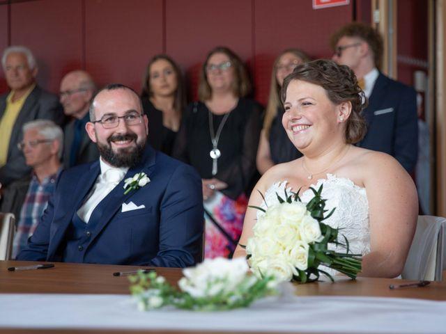 Le mariage de Julien et Caroline à Cattenom, Moselle 11