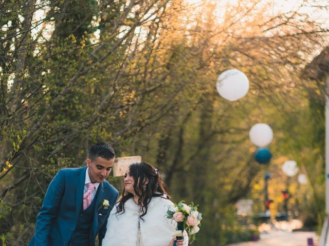 Le mariage de Julien et Mélanie à Légny, Rhône 27