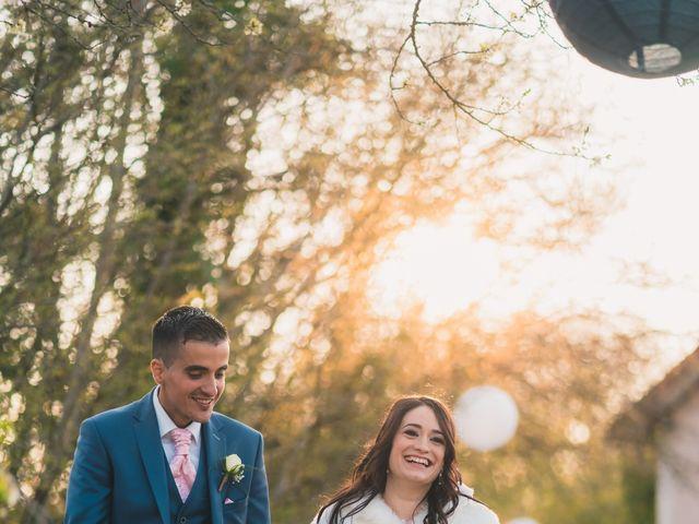 Le mariage de Julien et Mélanie à Légny, Rhône 30