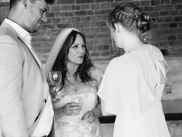 Le mariage de Simon et Karen à Neufchâtel-en-Bray, Seine-Maritime 42