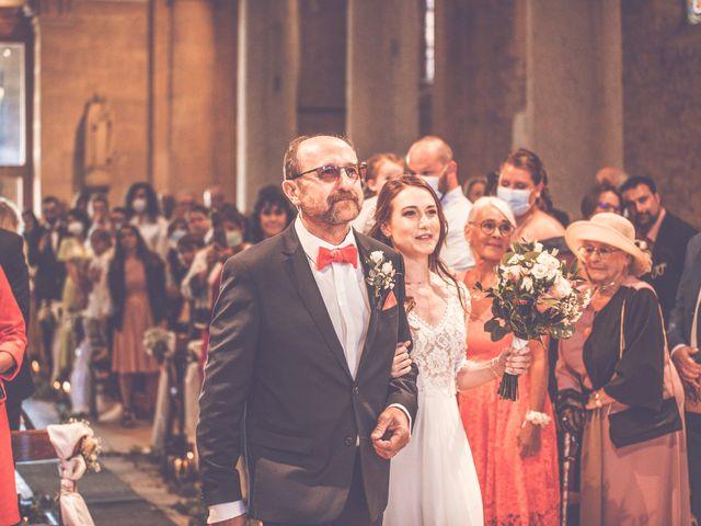 Le mariage de Romain et Claire à Le Bois-d'Oingt, Rhône 6