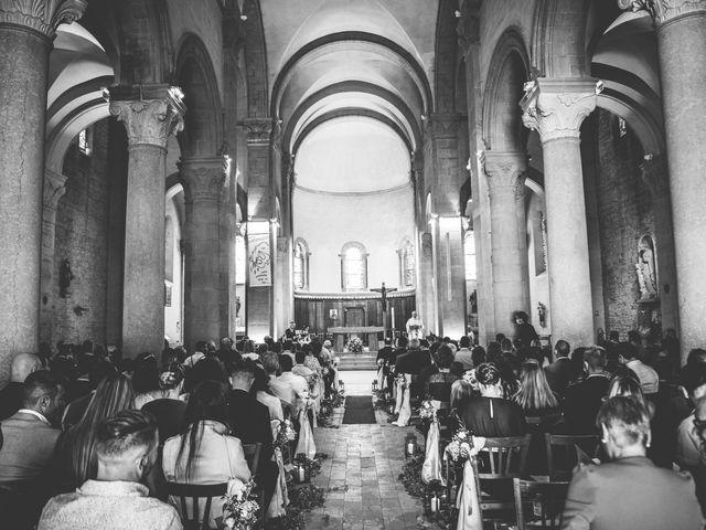 Le mariage de Romain et Claire à Le Bois-d'Oingt, Rhône 8