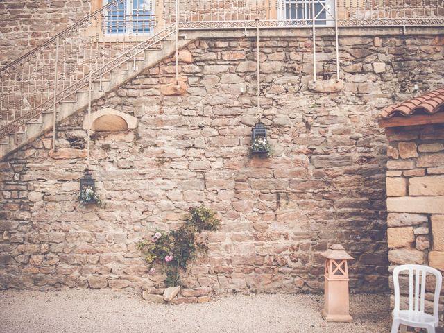 Le mariage de Romain et Claire à Le Bois-d'Oingt, Rhône 10