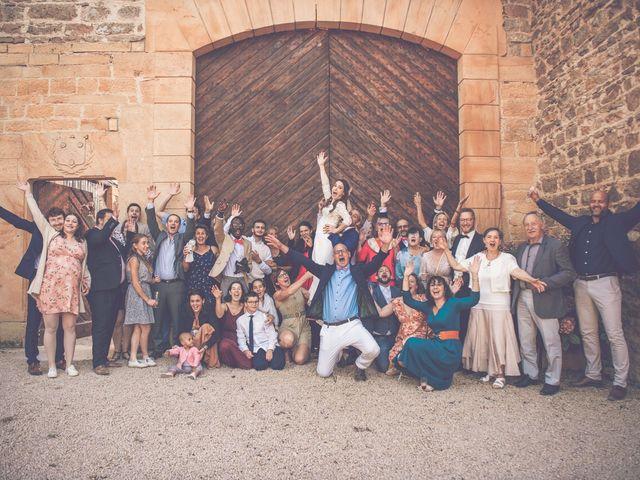 Le mariage de Romain et Claire à Le Bois-d'Oingt, Rhône 30