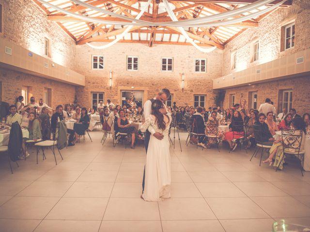 Le mariage de Romain et Claire à Le Bois-d'Oingt, Rhône 40