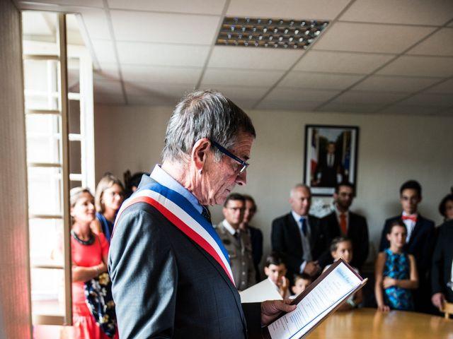 Le mariage de Férréol et Tiphaine à Luché-Pringé, Sarthe 8