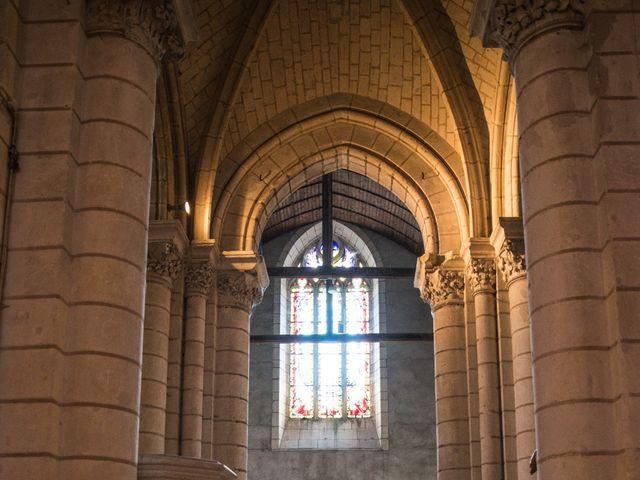 Le mariage de Férréol et Tiphaine à Luché-Pringé, Sarthe 11