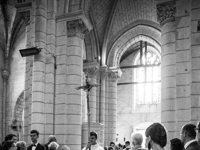 Le mariage de Férréol et Tiphaine à Luché-Pringé, Sarthe 13