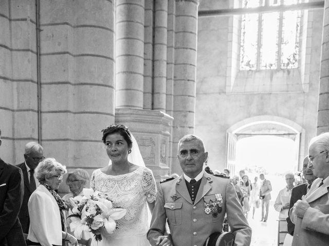 Le mariage de Férréol et Tiphaine à Luché-Pringé, Sarthe 14