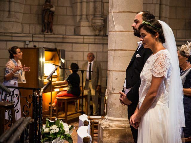 Le mariage de Férréol et Tiphaine à Luché-Pringé, Sarthe 15
