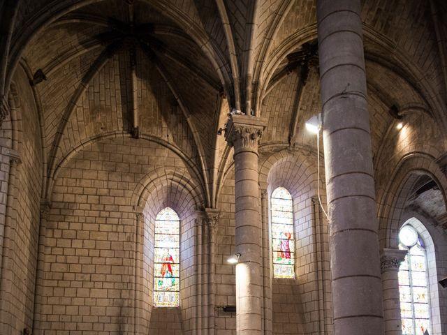 Le mariage de Férréol et Tiphaine à Luché-Pringé, Sarthe 25