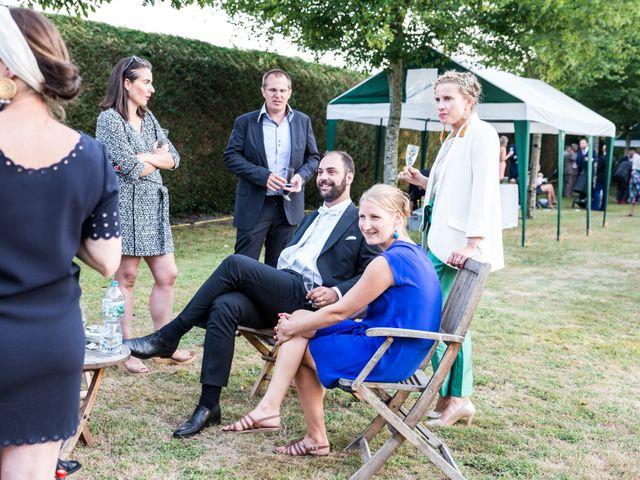 Le mariage de Férréol et Tiphaine à Luché-Pringé, Sarthe 39