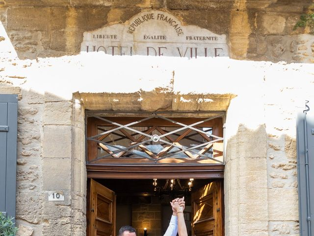 Le mariage de Fabien et Coralie à Châteauneuf-du-Pape, Vaucluse 8