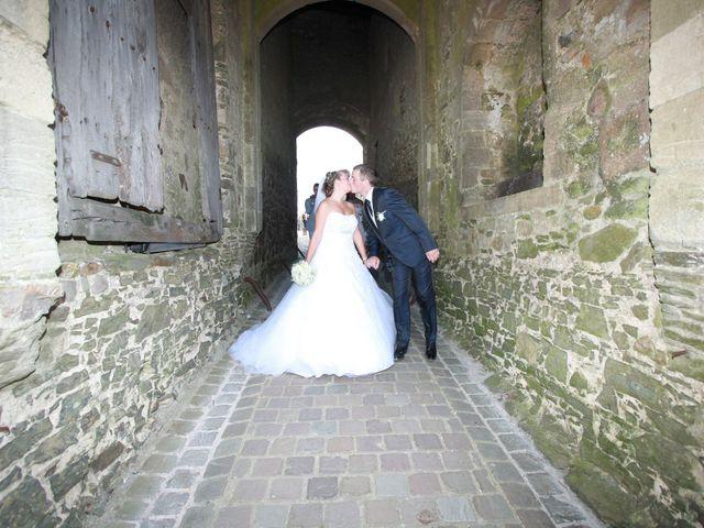 Le mariage de Romain et Sandra à Bricquebec, Manche 9