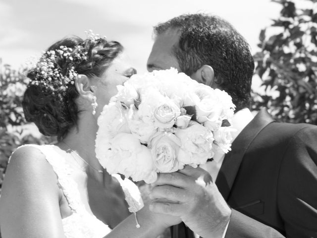 Le mariage de Julien et Sandrine à Saint-Étienne-du-Grès, Bouches-du-Rhône 4