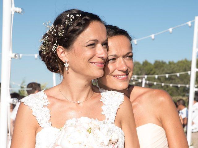 Le mariage de Julien et Sandrine à Saint-Étienne-du-Grès, Bouches-du-Rhône 17