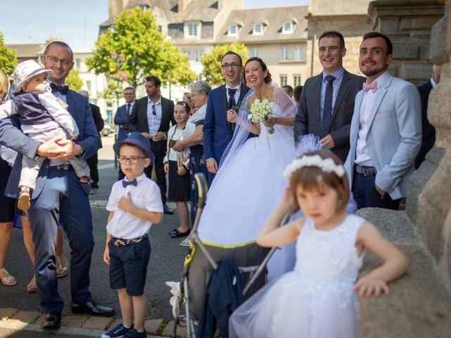Le mariage de Mathieu et Caroline à Lesneven, Finistère 12