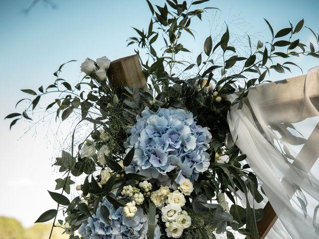 Le mariage de Thibaut et Mathilde à Salleboeuf, Gironde 39