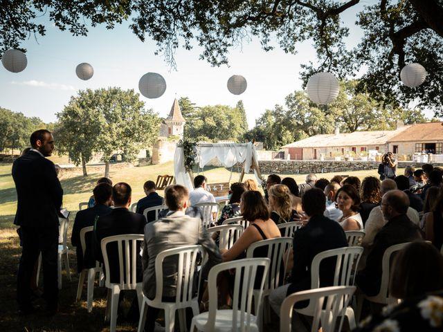 Le mariage de Thibaut et Mathilde à Salleboeuf, Gironde 41