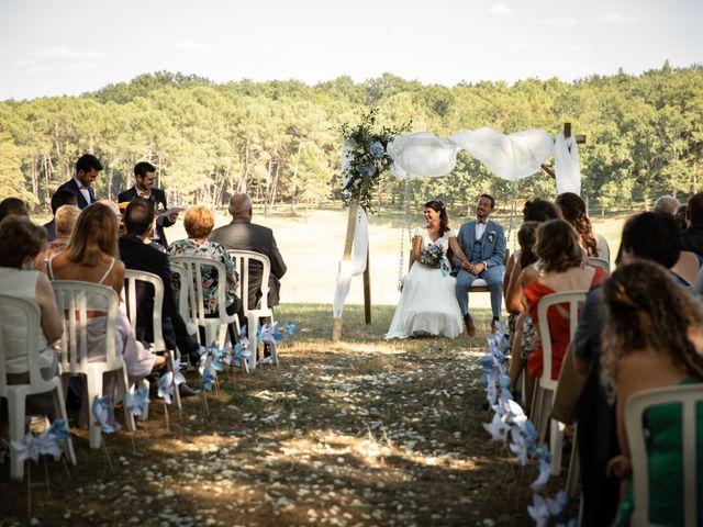 Le mariage de Thibaut et Mathilde à Salleboeuf, Gironde 43