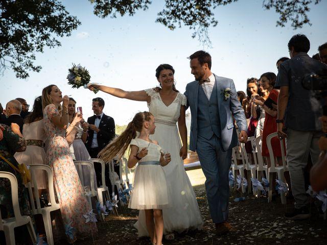Le mariage de Thibaut et Mathilde à Salleboeuf, Gironde 48