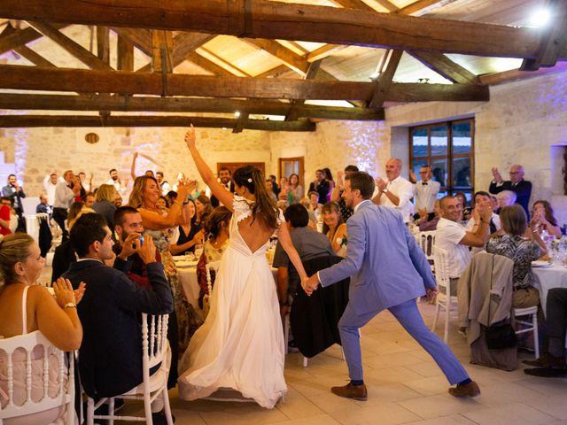 Le mariage de Thibaut et Mathilde à Salleboeuf, Gironde 77