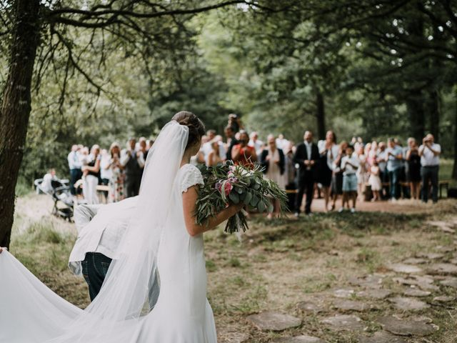Le mariage de Jérome et Mathilde à Gourin, Morbihan 50